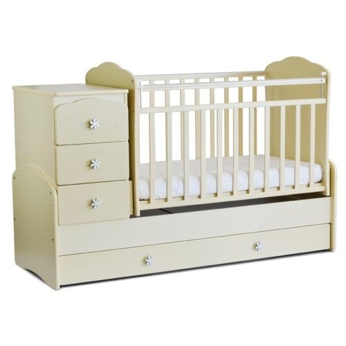 Фотограф для фотосъемки кроваток для малышей