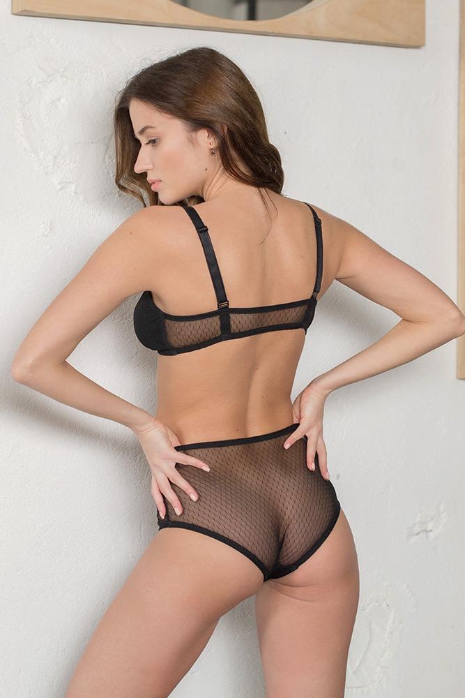 Фотосъемка нижнего  белья на модели